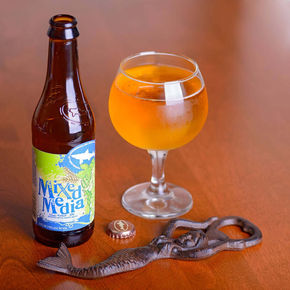 Mixed Media, a Fruit Beer by Dogfish Head Craft Brewery