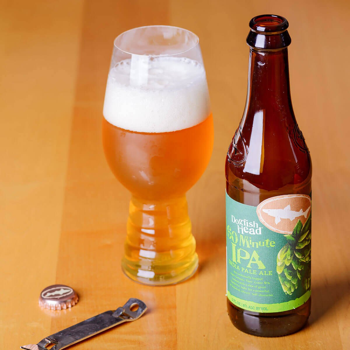 60 Minute IPA is an American IPA by Dogfish Head Craft Brewery that blends orange peel, white grapefruit, and pine with toasted bread and pineapple.