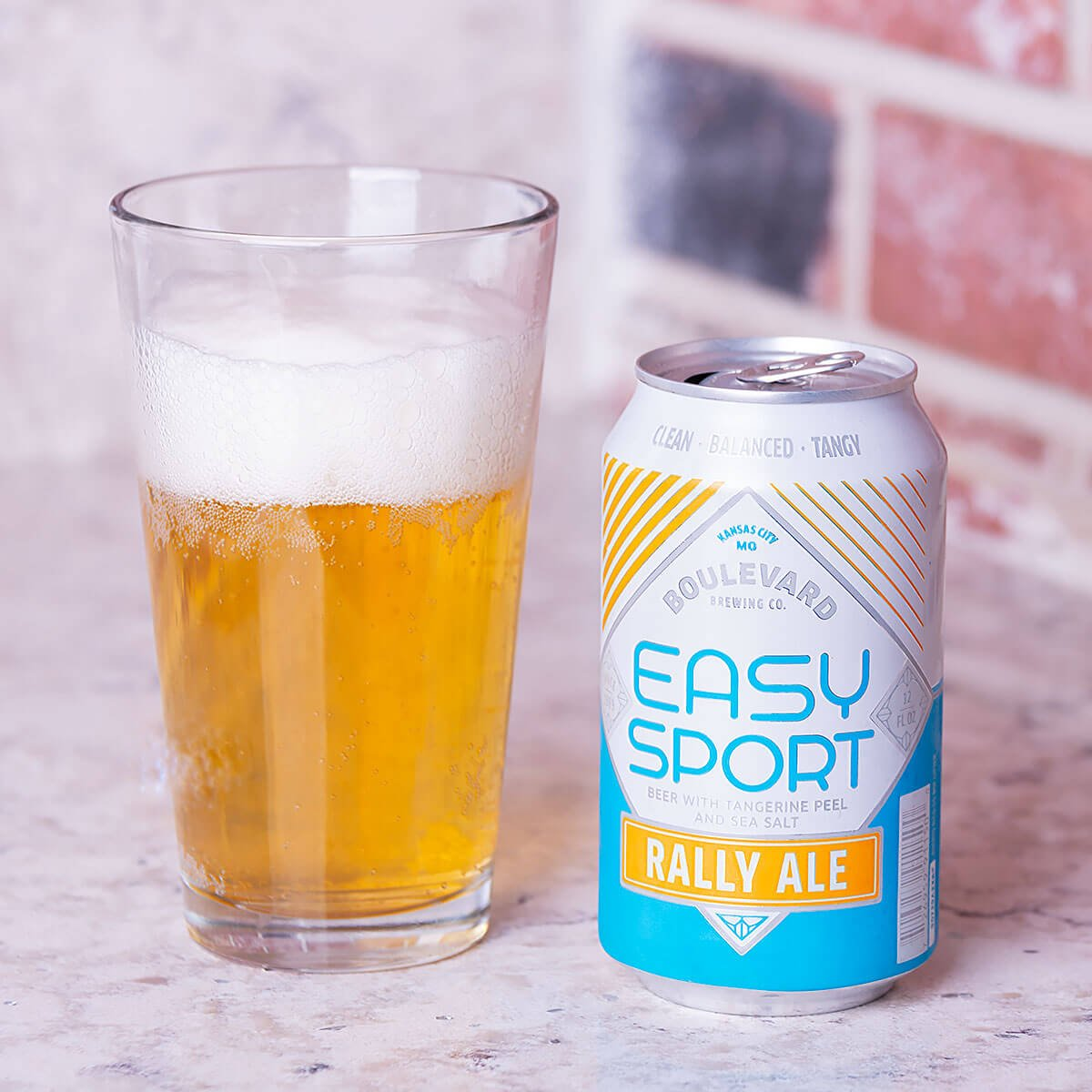 Easy Sport is an American Blonde Ale by Boulevard Brewing Co. that blends honey malt flavor and citrus in a lo-cal, lo-carb package.