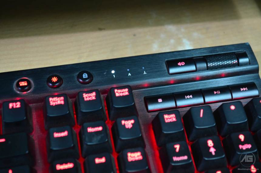 Corsair K70 Red Multimedia and volume rocker button