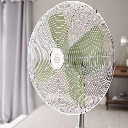 Swan Retro 16 Inch Oscillating Stand Fan, Green