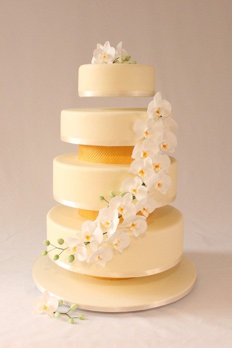 12 delectable designer wedding cakes