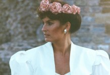 1980s fashion moment: Sassi Holford 'convertible' wedding gown