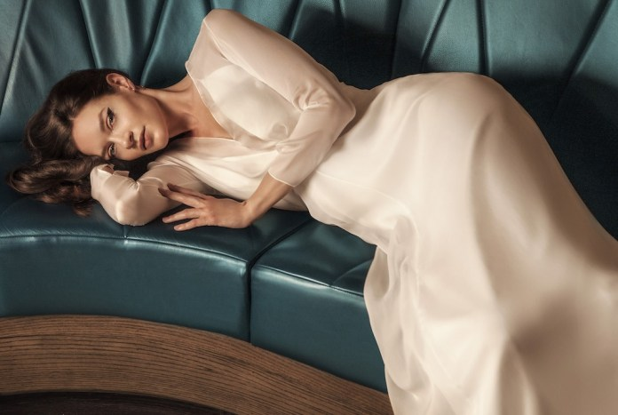Andrea Hawkes sample sale offers fantastic gowns at great prices