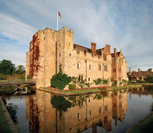 Hever castle hosts its autumn Wedding Showcase