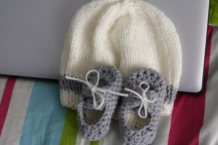 Simple knitted beanie and crotchet boat shoes