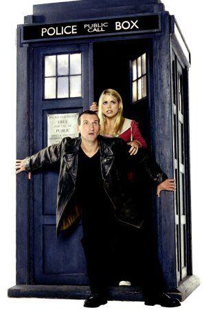 Le Docteur ( Christopher Eccleston ) et Rose Tyler ( Billie Piper ).