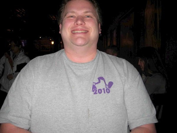 This the picture of joe hilyar who lost  weight by just walking