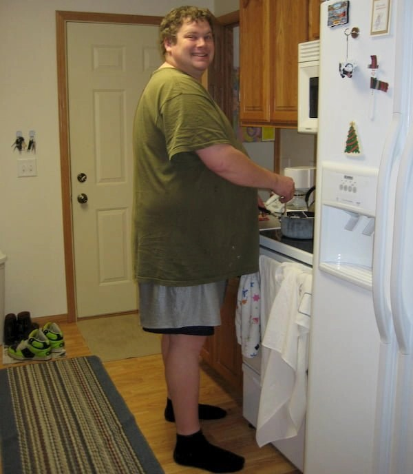 this is joe hiliar who tells his story about how to lose weight by walking