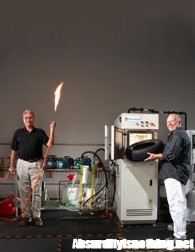Brevettata la macchina che trasforma la spazzatura in petrolio e gas
