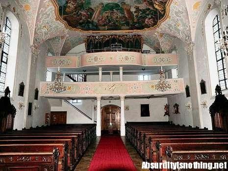 La chiesa di Rennertshofen, i due si trovavano sul balconcino