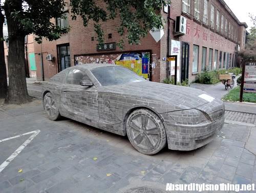 BMW Z4 in pietra