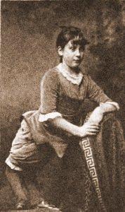 Ella Harper, la donna Cammello che cammina come la bambina dell'esercista
