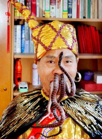 Liu Fei - Uomo dei serpenti