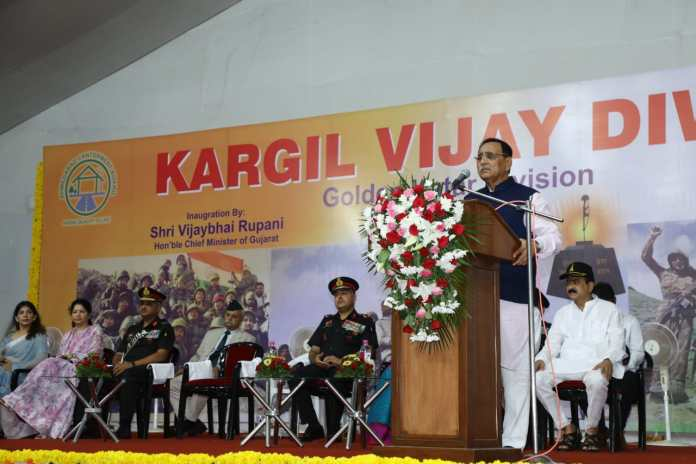 kargil-victory-day:-cm-pays-tribute-to-heroic-martyrs