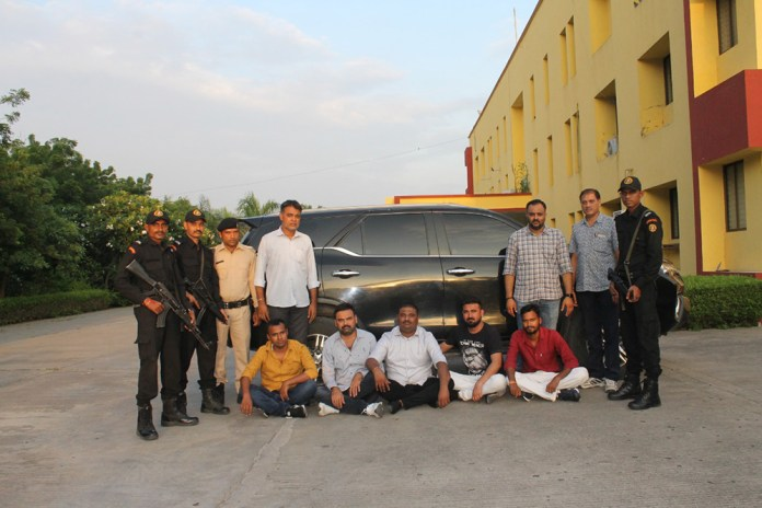 atsa-arrested-for-wanted-persons-in-murder-case-in-morbi