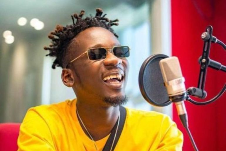 Mr. Eazi Begs Sarkodie, Shatta Wale, Stonebwoy For Help Over Missing Laptop & iPhone In Accra