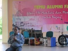 Rektor UMY: Prof. Dr. Bambang Cipto, MA