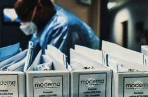 مودرنا لقاح كورونا Moderna Corona Vaccine