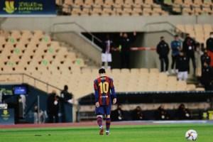 ميسي أول طرد مع برشلونة Messi first sent off with