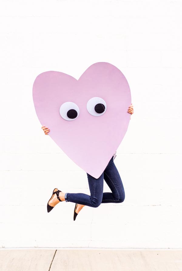 diy-telegram-heart-with-googly-eyes-1
