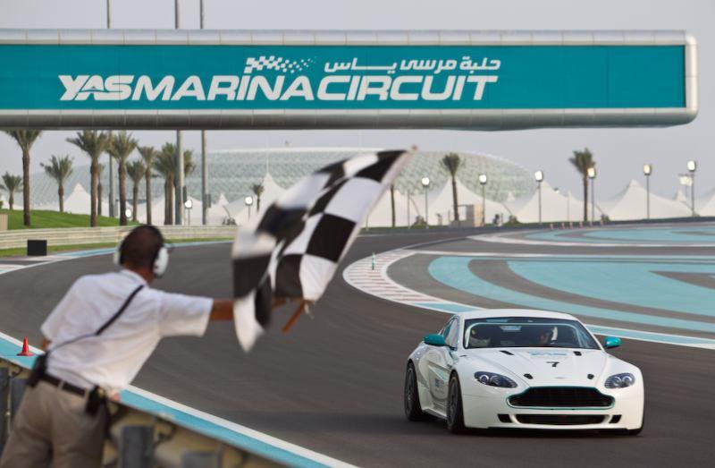 Yas-Marina élményautózás Abu Dhabi 2