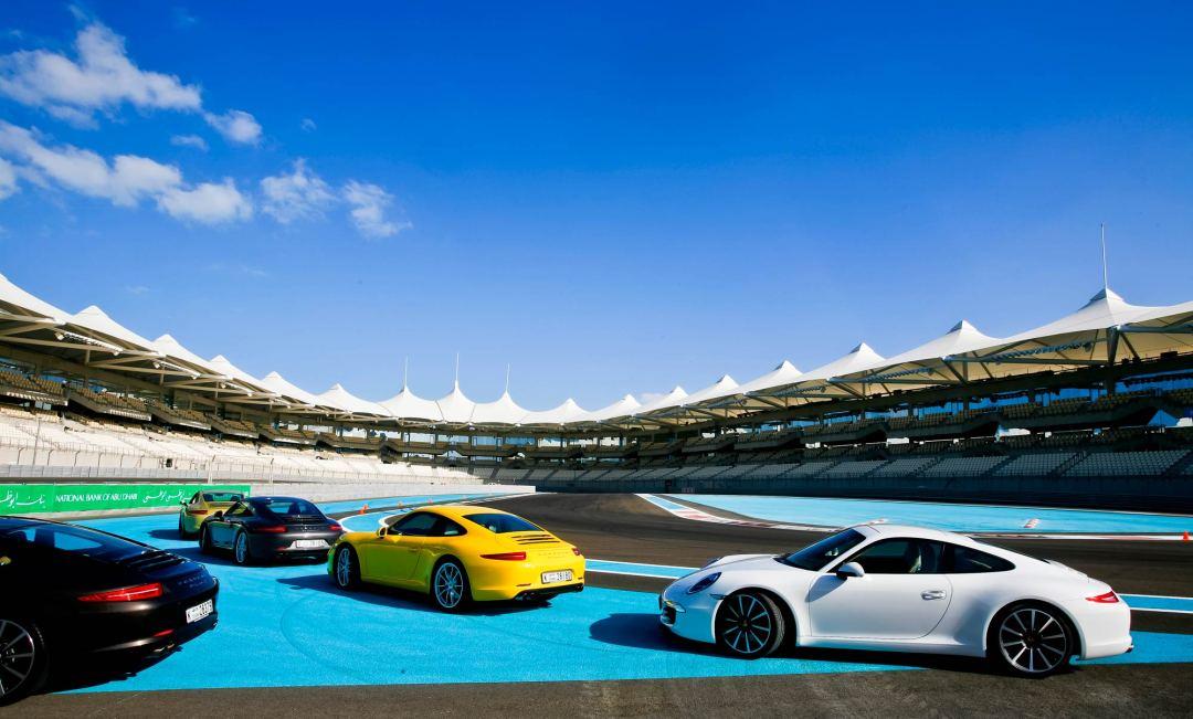 Yas-Marina élményautózás Abu Dhabi 3