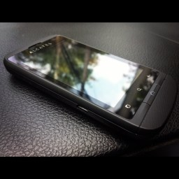 Alcatel One Touch Glory runs Android 2.3, Dual SIM for Php 5,699.00