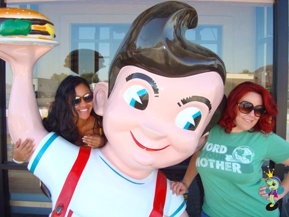 Abi & June with good ol' Bob in Baker