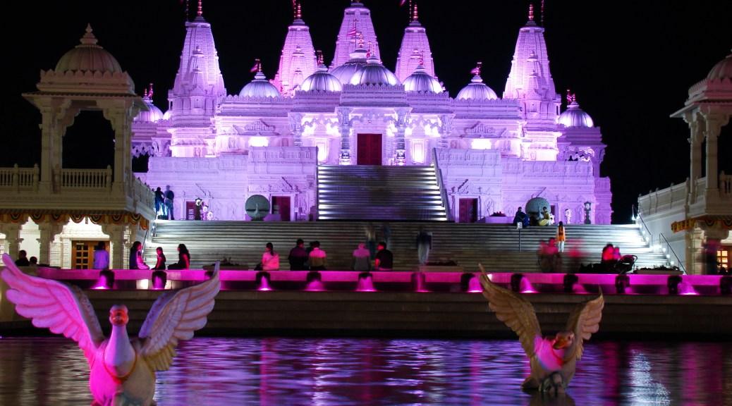BAPS Shri Swaminarayan Mandir Atlanta. Illumination with color mixing LED fixtures. Photo by Volkan Yuksel