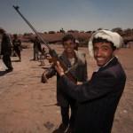 Zesmaal schieten voor honderd riyaal, Wadi Dahr, toeritische terkpleister, in 2006. @foto Nico te Laak