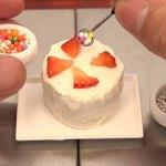 tiny-cakes-toy-kitchen-miniature-space-10