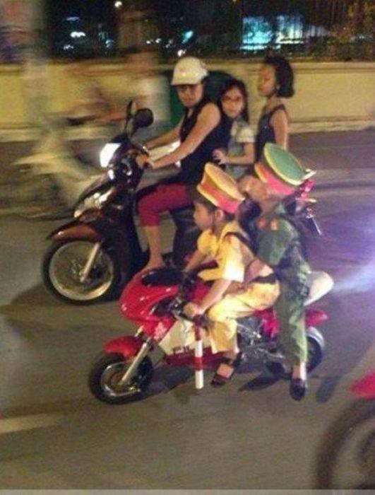 صور ولقطات غريبة و مضحكة من دول شرق اسيا