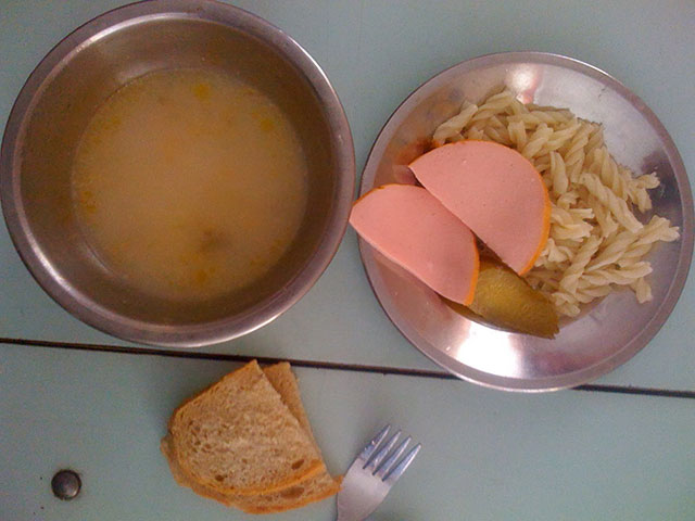 وجبات الغداء في المدارس