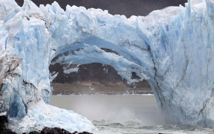 نهر جليدي