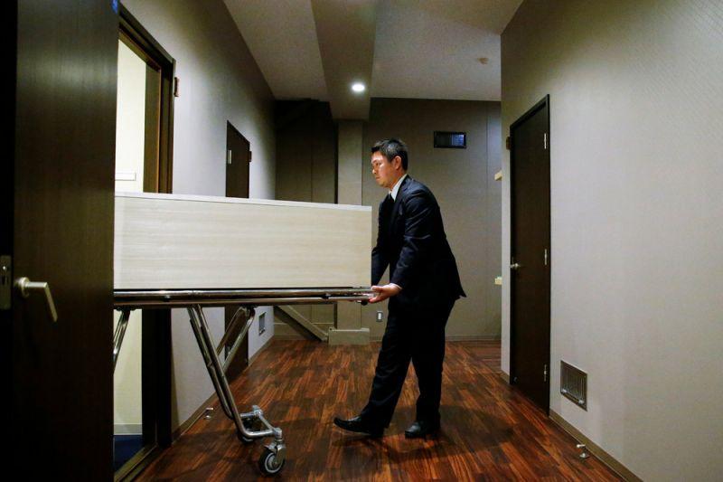 فندق الموتى في اليابان
