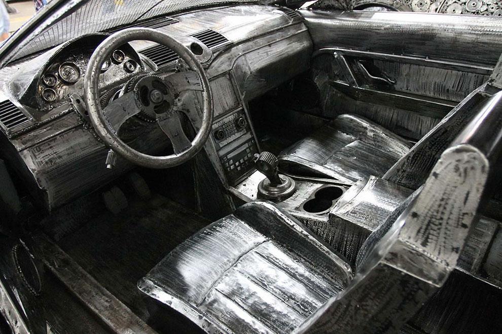المعادن القديمة إلى سيارات