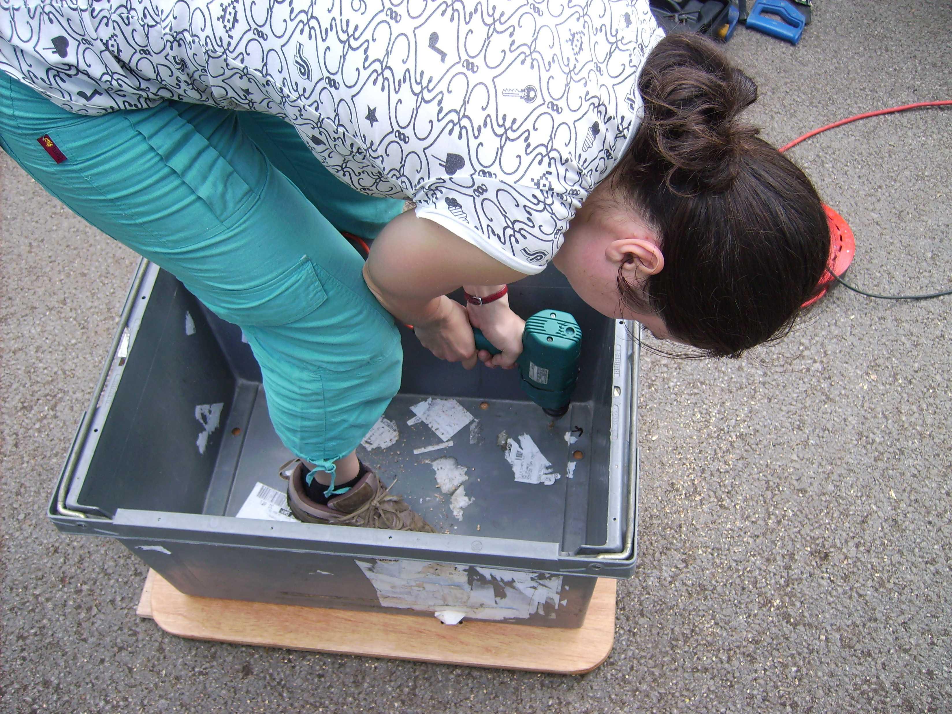 Attaching trailer box