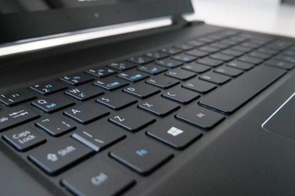 لوحة Acer Swift 7