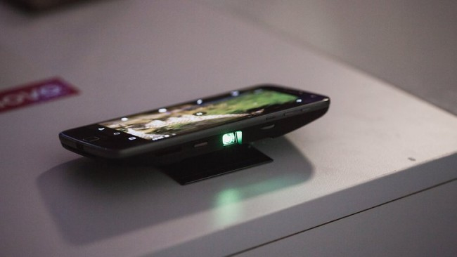 moto-z-play-insta-share-projector