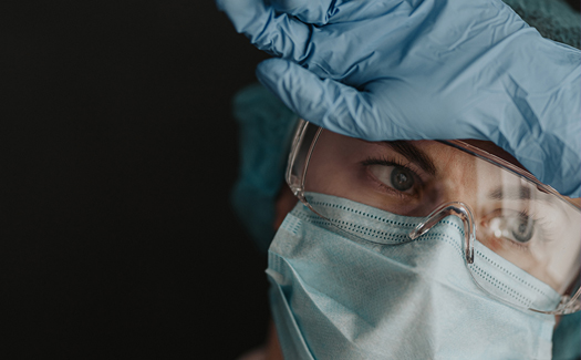 Healthcare_workers_wearing_PPE-2