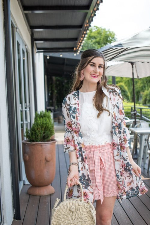 How to style a kimono outfit | kimono traditional | kimono boho | kimono with white jeans | kimono with shorts | mixing floral and gingham | mixing floral and pink gingham | how to pattern mix | kimono and dress | Shein Tie Front Ruffle Hem Gingham Shorts | Shein SHEIN Flounce Sleeve Floral Kimono