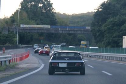 駒ケ岳S.A.を後にして中央自動車道を下ります。カーブの多い区間です。Photo:H.M.