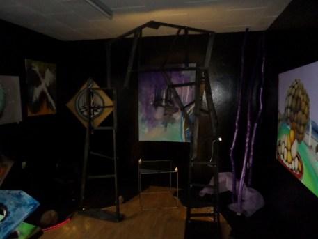 Kunstudstilling, surrealisme, A.C.Rosmon,lysportal, udstilling, kunstudstilling, Længere end øjet rækker