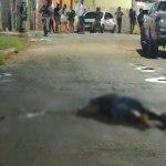 Criminosos em veículo passam atirando e matam homem com um tiro na cabeça
