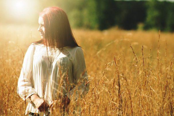 girl, pretty, outdoors-358771.jpg
