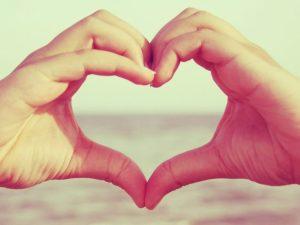macro-love-heart-love-feeling-hand