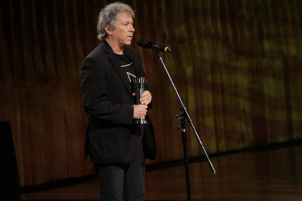"""Miguel Kohan recibe el premio a Mejor Documental por """"El Francesito, un documental (im)-posible sobre Enrique Pichón Riviére"""