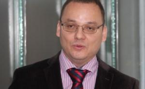 Investigador de la UCR recibe premio Cleto González Víquez