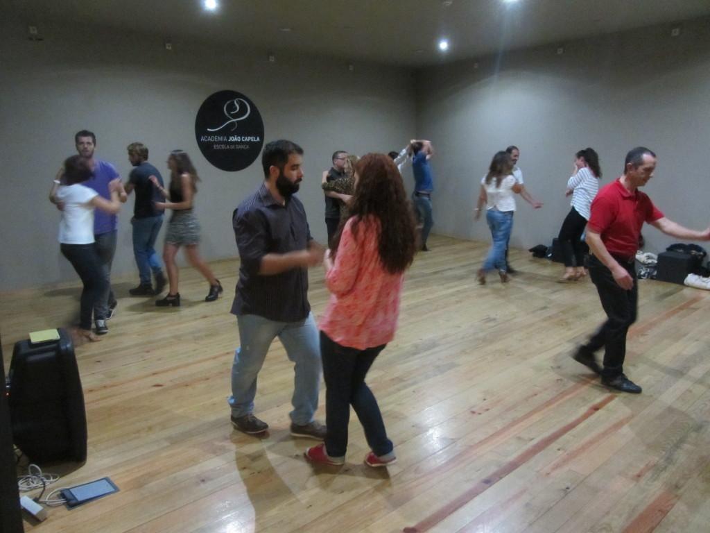 Aula de Ritmos Latinos da Academia João Capela em Barcelos